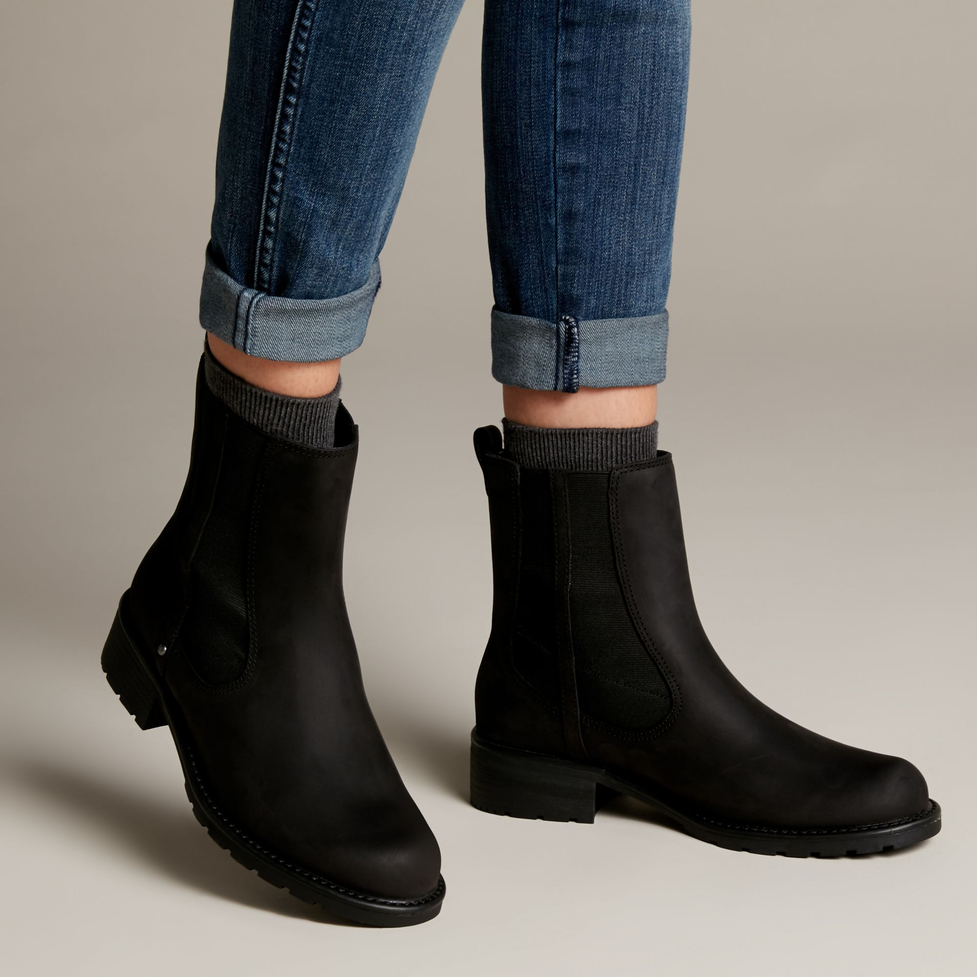 Women's Black Leather Chelsea Boots